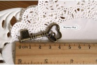Rw194(H) Antique Keys Charm