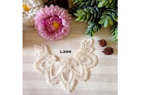 L259 Applique Style Lace Flower Wreath