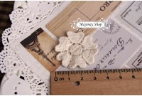 L144 Applique Style 6 Petal Flower Lace