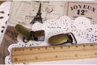 RW198 Antique Brass Mitten Clips